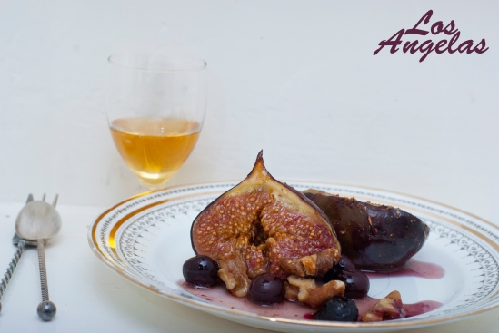 Figs with berries, walnuts and honey 3